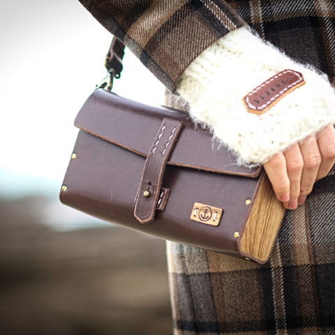 sac à main cuir et bois mitaine laine