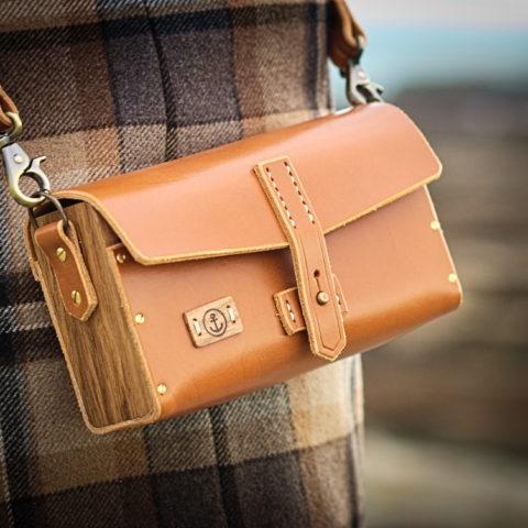 sac à main cuir tannage végétal couleur miel et bois de chêne