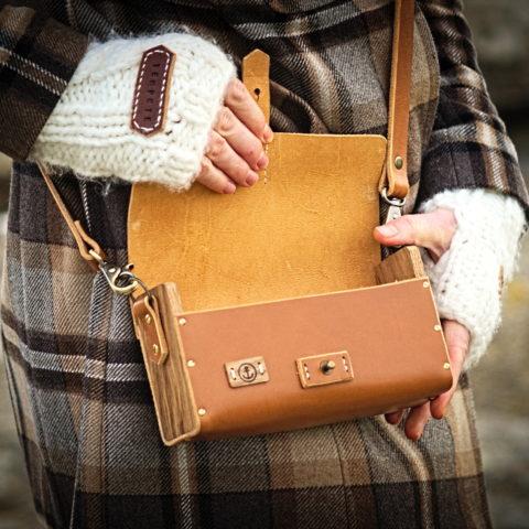 sac à main cuir tannage végétal et bois de chêne
