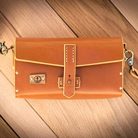 sac à main cuir et bois couleur miel